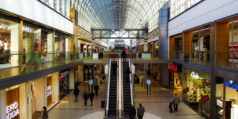 Pressure Cleaning Shopping Centers: Miami Retail Cleaning Services